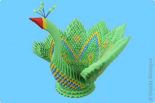 Оригами радужный лебедь из бумаги.  Его схема.