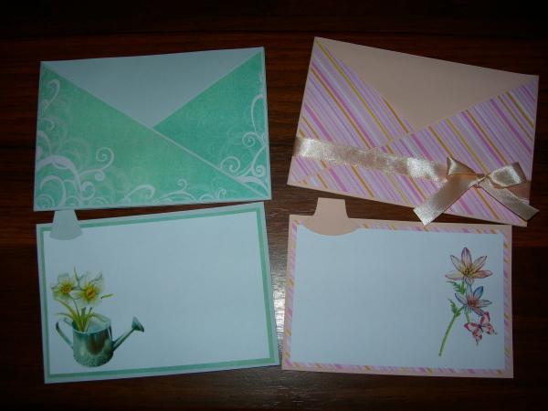Как сделать открытку с конвертиками для пожеланий 79