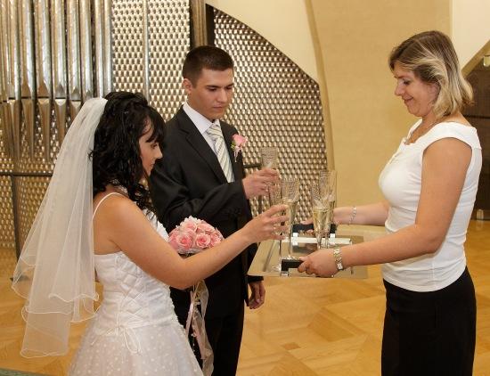 Бокал шампанского, Свадьба